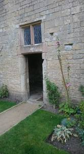 Bolsover wall niche with top window